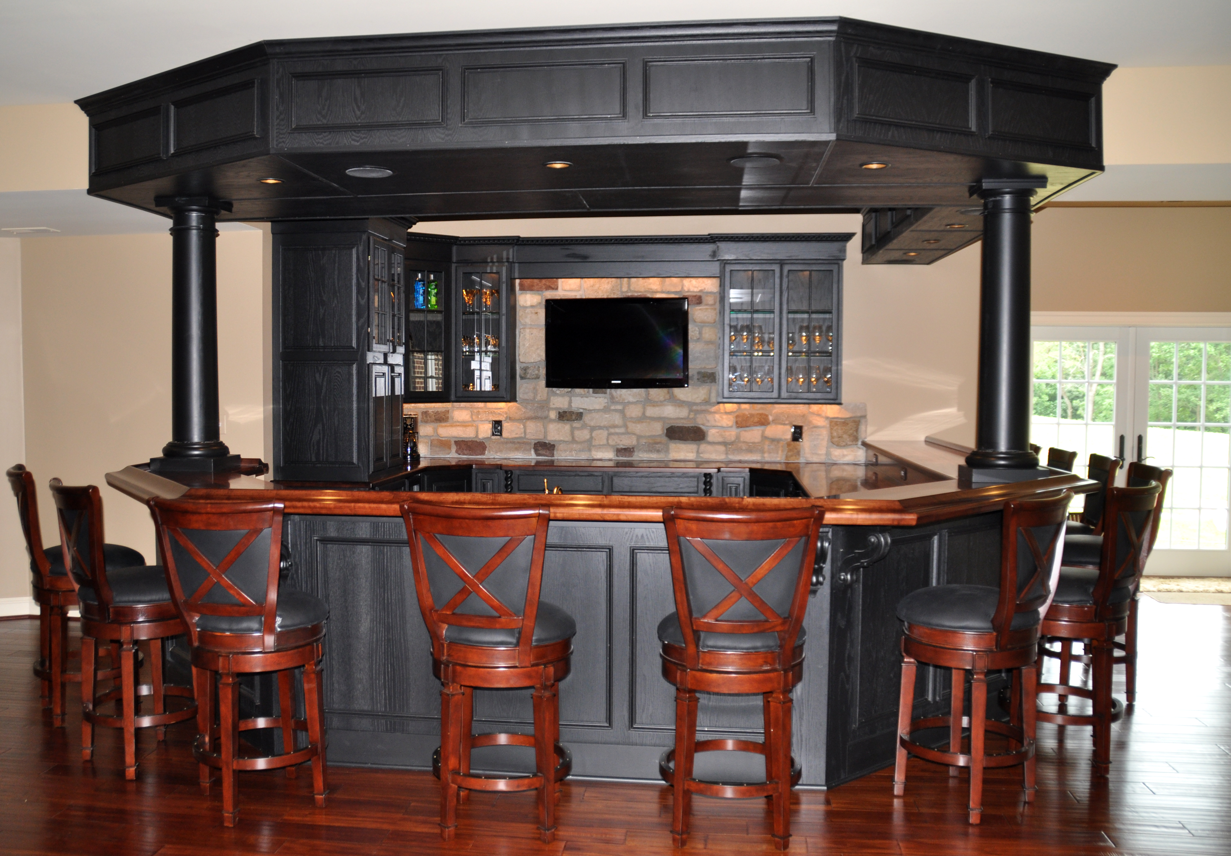 Maple Basement Wood Bar Top Design