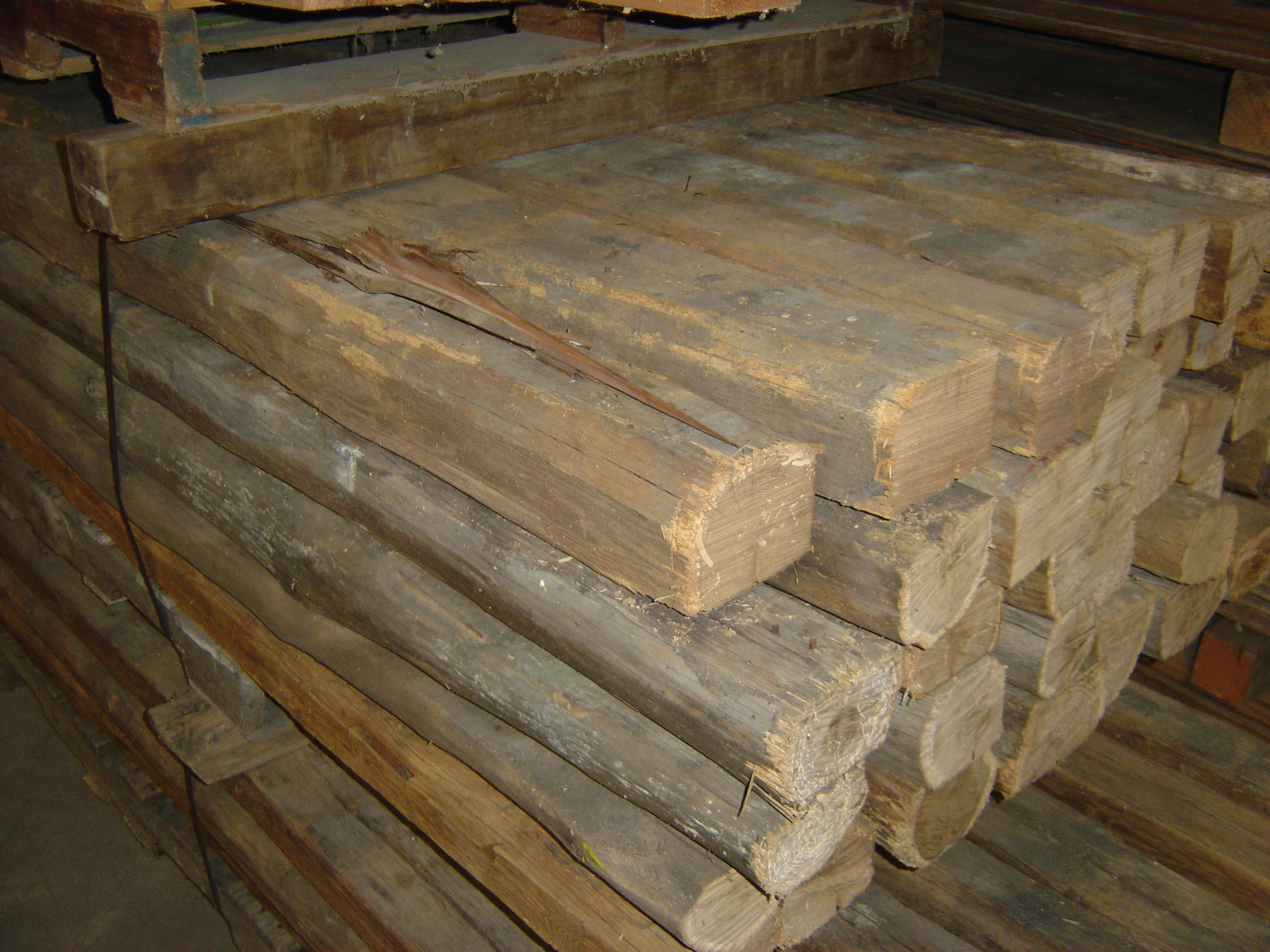 Antique Pennsylvania Barn Beams for Stained Reclaimed Wood Countertops