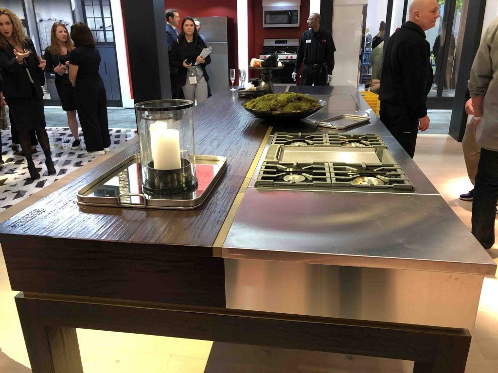 Half Metal Half Wenge Table in Monogram's Booth at KBIS 2020